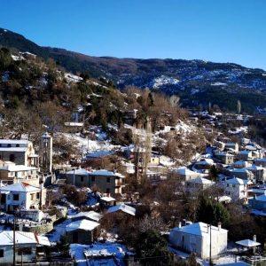 Παλαιογράτσανο, το μικρό γραφικό χωριό με τη μαγευτική θέα από εναέρια λήψη (Βίντεο)