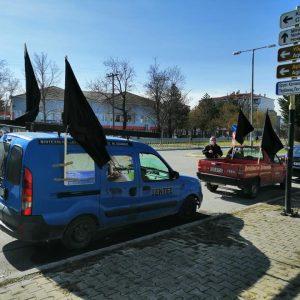 kozan.gr: Ώρα 13.00: Πρώτες εικόνες από το σημείο συγκέντρωσης της  αυτοκινητοπομπής στη Σχολή Πυροσβεστών Πτολεμαΐδας, στο πλαίσιο διαμαρτυρίας που διοργανώνει  ο Εμπορικός Σύλλογος Πτολεμαΐδας-Εορδαίας  (Φωτογραφίες)