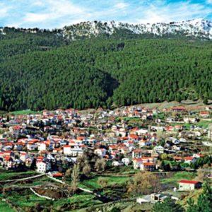 """Σαμαρίνα, το ψηλότερο χωριό των Βαλκανίων με την ιστορική ονομασία """"Santa Maria de Praitoria"""". Γιατί έγινε διάσημο δημοτικό τραγούδι"""