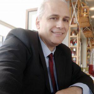 kozan.gr: Το πρώτο σχόλιο του Προέδρου της Βιβλιοθήκης Κοζάνης, Βασίλη Παπαποστόλου, για τις καταγγελίες περί εργασιακού εκφοβισμού