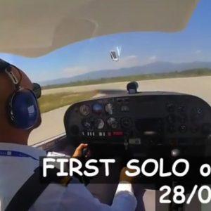kozan.gr:  Δείτε εδώ, από το προφίλ του αγνοούμενου πιλότου, Iρακινού Ammar Ibraheem,  βίντεο που είχε αναρτήσει ο ίδιος, στις 28/7/2020 όταν έκανε την πρώτη – solo=ατομική πτήση  με μονοκινητήριο (Βίντεο)