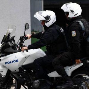 Σύλληψη ανήλικου στην Πτολεμαΐδα – Αφαίρεσε από από εξωτερικό χώρο οικίας ένα ποδήλατο & διέρρηξε με αιχμηρό αντικείμενο 2 Ι.Χ.Ε. αυτοκίνητα