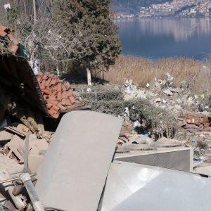 Καστοριά: Έρευνες για τυχόν εκρηκτικά που ισοπέδωσαν το ξενοδοχείο (Ρεπορτάζ από το Έθνος)