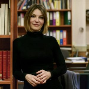 kozan.gr: Νέα, μεταβατική, καλλιτεχνική διευθύντρια του Εθνικού Θεάτρου η Ερι Κύργια –  Ποια είναι η συμπατριώτισσά μας Έρι Κύργια