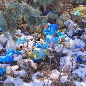 """Επιστολή αναγνώστη στο kozan.gr: """"Ο δρόμος Μποδοσάκειου νοσοκομείου, δρόμος ρίψης σκουπιδιών"""""""