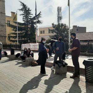 """Κοζάνη: Κινητοποίηση από φοιτητές του Πανεπιστημίου Δ. Μακεδονίας με σύνθημα """"Ενάντια στο Νόμο Κεραμέως – Χρυσοχοϊδη – Έξω η αστυνομία από τις σχόλες"""""""