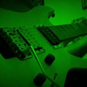 "kozan.gr: To μουσικό σήμα κατατεθέν της Κοζανίτικης Αποκρίας, το ""11"",  σε ήχους ηλεκτρικής κιθάρας από το συμπολίτη μας Νίκου Δέδε (Βίντεο)"