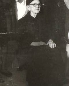 Aπό τοΦανό της Σκρκας δυο γυναίκες άφησαν εποχή προπολεμικά: η Ματιούκου Λιόγα και η Ειρήνη Τράγια (Γράφει η Φανή Φτάκα)