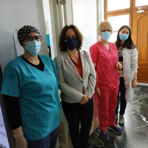 Καλλιόπη Βέττα: Επισκέψεις στα Κέντρα Υγείας Σερβίων και Σιάτιστας