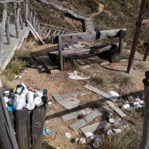 Σχόλιο αναγνώστη στο kozan.gr: Εικόνες που σε πληγώνουν από τα Μπουχάρια Μικροβάλτου – Η ομορφιά κι η κατάντια (Φωτογραφίες)