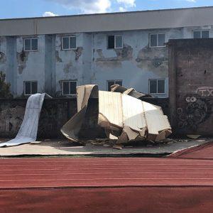 Δήμος Γρεβενών: Ζημιές στο ανενεργό Κλειστό Κολυμβητήριο των Γρεβενών από ανεμοστρόβιλο (Φωτογραφίες)