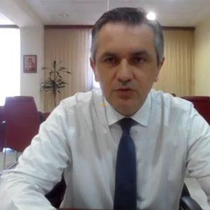 """Κοινή επιστολή Περιφερειαρχών Δυτικής Μακεδονίας, Δυτικής Ελλάδας και Κεντρικής Μακεδονίας στον Πρωθυπουργό: """"Στην περίπτωση των επιχειρήσεων του λιανεμπορίου των Π.Ε. Θεσσαλονίκης, Αχαΐας και Κοζάνη, να δοθεί ενίσχυση, χωρίς κριτήρια (κύκλος εργασιών/εργαζόμενοι κλπ) τουλάχιστον ποσού 5.000 ευρώ, ώστε να αποκατασταθεί η ρευστότητα"""""""