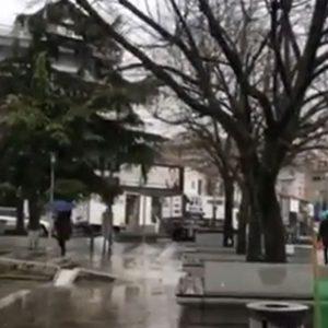 kozan.gr: Ώρα 11:30 π.μ.: Xιονόπτωση στην πόλη της Κοζάνης (Βίντεο)
