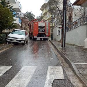 kozan.gr: Ώρα 12:40: Κινητοποίηση της πυροσβεστικής, με 2 οχήματα, στην περιοχή του Αγ. Δημητρίου, μετά από κλήση για φωτιά, που προήλθε, από τζάκι σπιτιού (Φωτογραφίες)