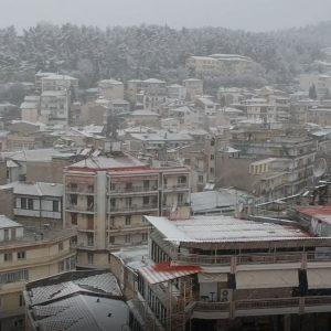 kozan.gr: Ώρα 08:05 π.μ.: Πρωινές εικόνες, από ψηλά, από την πόλη της Κοζάνης, με την πυκνή χιονόπτωση σε εξέλιξη (Βίντεο)