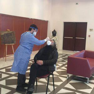 kozan.gr: 8 θετικά κρούσματα, επί συνόλου 124 δειγματοληψιών, με τη μέθοδο των rapid tests, διαγνώστηκαν στη σημερινή διαδικασία που έλαβε χώρα στο Πολιτιστικό Κέντρο Σερβίων