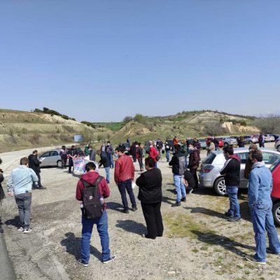 Πραγματοποιήθηκε μέσα σε ιδιαίτερες συνθήκες, την Κυριακή 4 Απρίλη στην Γέφυρα του Ρυμνίου η συγκέντρωση ενάντια στην δημιουργία ΧΥΤΑ Αμιάντου στην περιοχή Ζιδάνι (Φωτογραφίες)