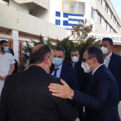 kozan.gr: Στο Μποδοσάκειο νοσοκομείο Πτολεμαΐδας, έφτασε στις 16:40, ο Αν. Υπουργός Υγείας, Βασίλης Κοντοζαμάνης – Ο διάλογος με τους εργαζομένους της κοινωφελούς εργασίας στον τομέα της Υγείας (Φωτογραφίες & Βίντεο)