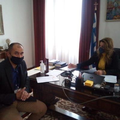 Συνάντηση του προέδρου του Σωματείου Πυροσβεστών Δυτικής Μακεδονίας με τη Μαρία Αντωνίου