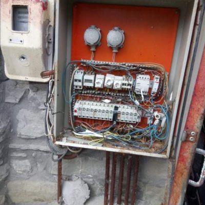 Δήμος Γρεβενών: Κίνδυνος ηλεκτροπληξίας από δολιοφθορές σε κιβώτια διανομής ρεύματος