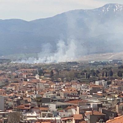 kozan.gr: Ώρα 12:30 μ.μ.: Φωτιά σε εξέλιξη σε περιοχή στο δρόμο προς τον Άργιλο, απέναντι από το εργοστάσιο Κουκουτάρης, στο ύψος του πάρκου κυκλοφοριακής αγωγής – Επιχειρεί στο σημείο δύναμη της πυροσβεστικής (Φωτογραφίες)