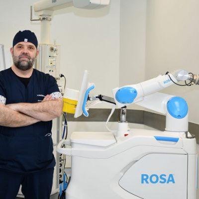 Ζιώγας Ευάγγελος: Η ρομποτική χειρουργική και οι νέες ελάχιστα επεμβατικές τεχνικές είναι το μέλλον στην αντιμετώπιση των ορθοπαιδικών παθήσεων