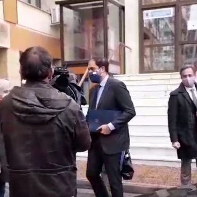kozan.gr: Έφτασε, πριν από λίγο (ώρα 11:15π.μ.), στην Κοζάνη ο Υφυπουργός Υποδομών & ΜεταφορώνΓιάννης Κεφαλογιάννης, ο οποίος θα συμμετέχει σε σύσκεψη με εκπροσώπους τοπικών φορέων (Φωτογραφίες & Βίντεο)