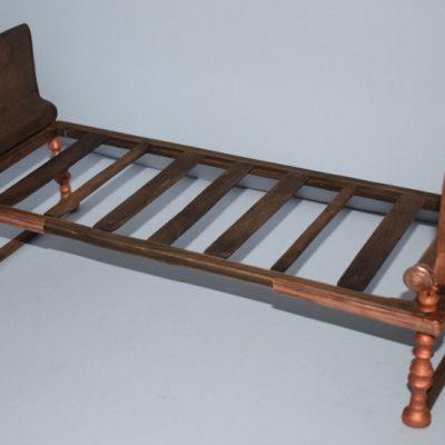 Eορδαία (πρώην Μαυροπηγή): Μία κλίνη του 1ου αιώνα π.Χ. πάνω στην οποία είχε ταφεί μία πλούσια γυναίκα. Ένα κρεβάτι διαστάσεων 2Χ90 μ., με ύψος 40 εκατοστά