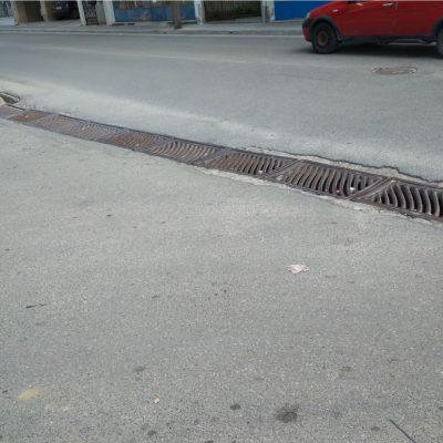 Σχόλιο αναγνώστη στο kozan.gr: Δεν έχει ενδιαφερθεί κανένας από το Δήμο Κοζάνης για τα φρεάτια στην οδό Ολυμπιάδος (λίγο πιο κάτω από το γήπεδο)