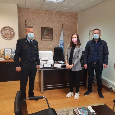 kozan.gr: Η MedPlace προσέφερε, στην Αστυνομική Διεύθυνση Κοζάνης, 2000 μάσκες (Φωτογραφίες)