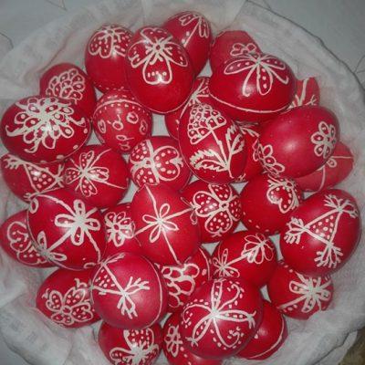 Η περδίκα μου πάει να τσουγκρίσει κόκκινα αυγά (Γράφει η Γκουτζιαμάνη Γιάννα)