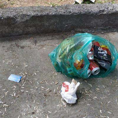 kozan.gr: Διασκορπισμένα σκουπίδια στο παρκάκι του Αγ. Δημητρίου στην πόλη της Κοζάνης – Οι σημερινές φωτογραφίες που μας έστειλε συμπολίτη μας