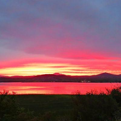 To εντυπωσιακό Ηλιοβασίλεμα στη Λίμνη Πολυφύτου (Bίντεο)