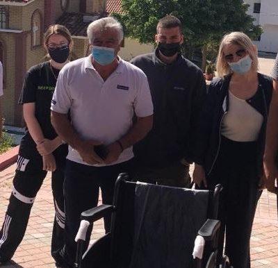 Μαθητές του 3ου Γελ Κοζάνης μάζεψαν καπάκια και δώρισαν αναπηρικό αμαξίδιο στο Γηροκομείο Κοζάνης