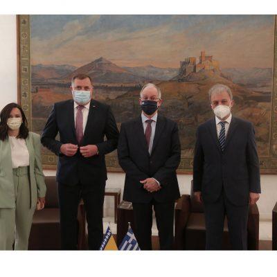 Σε συνάντηση του Προέδρου της Βουλής των Ελλήνων κ. Τασούλα Κων/νου με τον Πρόεδρο της Συλλογικής Προεδρίας της Βοσνίας και Ερζεγοβίνης κ. Milorad Dodik συμμετείχε ο Βουλευτής Ν. Κοζάνης κ. Γιώργος Αμανατίδης
