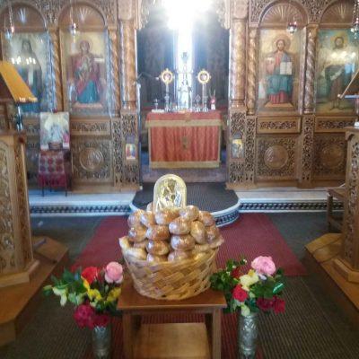 Εκκλησιαστική απονομή τιμής και σεβασμού στη μάνα,  στον Άγιο Διονύσιο Βελβεντού (του παπαδάσκαλου Κωνσταντίνου Ι. Κώστα)