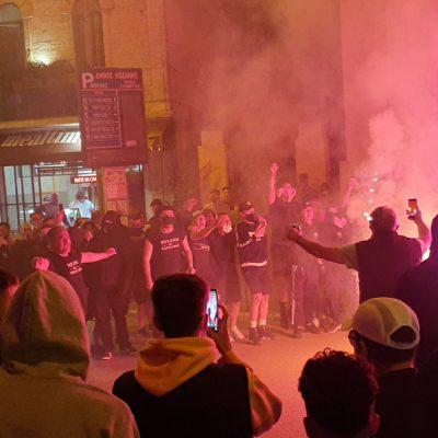 kozan.gr: 'Ωρα 23:15: Οι πανηγυρισμοί φιλάθλων του ΠΑΟΚ, στο κέντρο της Κοζάνης, μετά την κατάκτηση του Κυπέλλου Ελλάδος στο ποδόσφαιρο (Βίντεο & Φωτογραφίες)