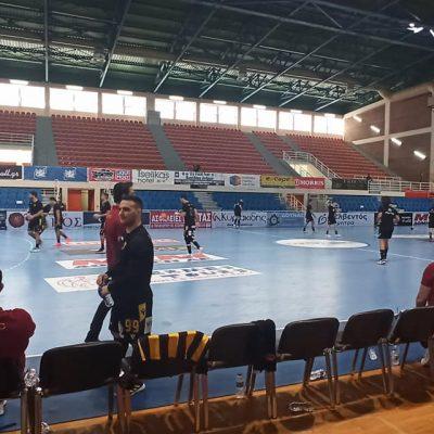 Η ομάδα χάντμπολ της ΑΕΚ επικράτησε με 24-22 του ΠΑΟΚ στο μεγάλο τελικό του Κυπέλλου Ελλάδας στο ΔΑΚ Λευκόβρυσης της Κοζάνης