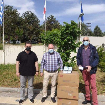 """6000 χειρουργικές μάσκες δωρεά από τον Όμιλο ΚΑΤΑΚΗΣ  παραδόθηκαν στο """"Μποδοσάκειο"""" Νοσοκομείο Πτολεμαϊδας"""
