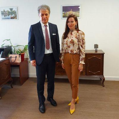 Η Πρέσβης Βοσνίας – Ερζεγοβίνης σε Κοζάνη και Γρεβενά με τον Πρόεδρο της Κοινοβουλευτικής Ομάδας Φιλίας (Κ.Ο.Φ)  και Βουλευτή Π.Ε. Κοζάνης της Νέας Δημοκρατίας Γ. Αμανατίδη
