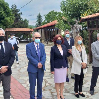 kozan.gr: Ετήσιο Μνημόσυνο υπέρ των πεσόντων Μακεδονομάχων στη μάχη της Οσνίτσανης, κατά τη διάρκεια του Μακεδονικού Αγώνα, πραγματοποιήθηκε σήμερα Κυριακή 30 Μαΐου, στην Κοινότητα Δαμασκηνιάς (Βίντεο & Φωτογραφίες)