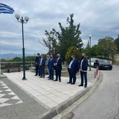 kozan.gr: Η λιτή εκδήλωση, λόγω πανδημίας, που πραγματοποιήθηκε το πρωί της Κυριακής 30/5, για την ημέρα μνήμης του Ολοκαυτώματος της Ερμακιάς Εορδαίας (Φωτογραφίες)