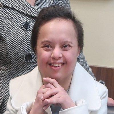 Παίρνει πτυχίο η Μαρία Νίτσα από τη Μεσοποταμία Καστοριάς – Η πρώτη Νηπιαγωγός με σύνδρομο Down