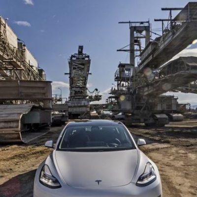 Με το Tesla Model 3 Long Range στην Πτολεμαΐδα