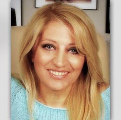 «Έφυγε» τα ξημερώματα του Σαββάτου η δημοσιογράφος του Ριζοσπάστη και της τηλεόρασης του 902 και συγγραφέας Σοφία Αδαμίδου – Καταγόταν από την Χαραυγή Κοζάνης – Η κηδεία της θα γίνει αύριο Κυριακή 13 Ιούνη, στις 4 μ.μ., στην Χαραυγή Κοζάνης