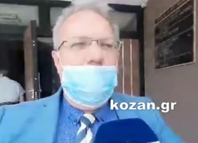 """kozan.gr: O N. Bασιλειάδης, ένας εκ των συνηγόρων των δύο κατηγορουμένων στην υπόθεση με τον αδικοχαμένο Στάθη που βρήκε τραγικό θάνατο μετά από την επίθεση ροτβαιλερ το Πάσχα του 2016: """"Γι' αυτό το τραγικό δυστύχημα πρέπει να πληρώσουν αυτοί που φταίνε πραγματικά. Το γεγονός της επίθεσης δεν αμφισβητείται από κανέναν. Εμείς ισχυριζόμαστε, με βάση την ιατροδικαστική έκθεση, ότι ο θάνατος οφείλεται στις ιατρικές πλημμέλειες. Για εμάς άλλοι θα έπρεπε να κάθονται στο σκαμνί του κατηγορουμένου"""". (Βίντεο)"""