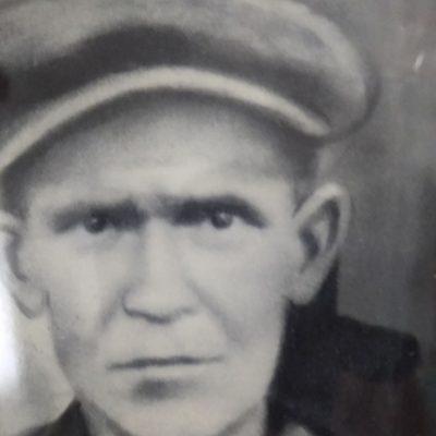 Έ… Έ… Έρχεται     Ο… Ο… Ο… γκαβός ήταν η επωδός που επαναλαμβανόταν απ' τα παιδιά της δεκαετίας του πενήντα (1950) στην αναμονή του φορτηγού (γκαμήλα) από την αγορά της Κοζάνης στη Λευκοπηγή (Γράφει ο  Τσολάκης Γιάννης)