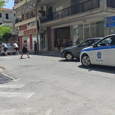 kozan,gr: Τροχαίο (υλικό ζημιών) με εμπλοκή δύο αυτοκινήτων (πλαγιομετωπική σύγκρουση) επί της οδού Γκέρτσου στην Κοζάνη (Φωτογραφίες)