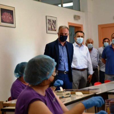 Καλαφάτης από την Κοζάνη: «Η Δυτική Μακεδονία είναι προορισμένη ν΄αλλάξει πρόσωπο και θ΄αλλάξει» – «Παρακάλεσα να συμβάλει η Εκκλησία στον εμβολιασμό» (επίσημο δελτίο τύπου)