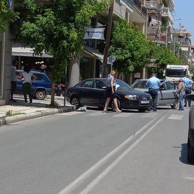 kozan.gr: Νέο τροχαίο στην οδό Γκέρτσου στην Κοζάνη (Φωτογραφίες)